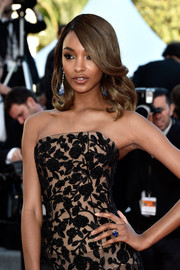 Jourdan Dunn showed off a stunning Chopard sapphire ring on the Cannes red carpet.
