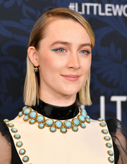 Saoirse Ronan looked oh-so-cool with her winged blue eyeshadow.