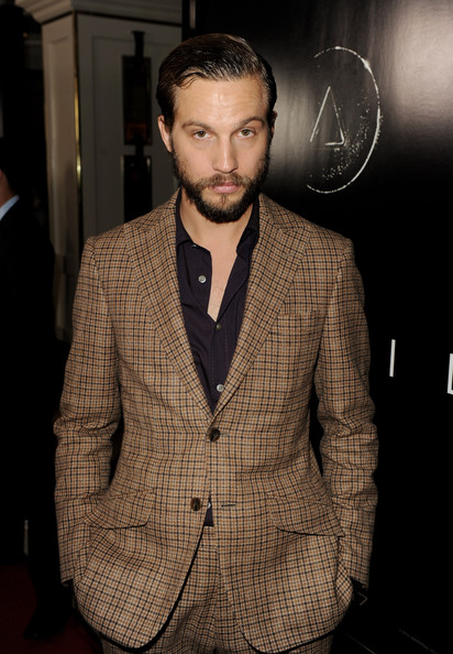 Logan Marshall-Green Clothes
