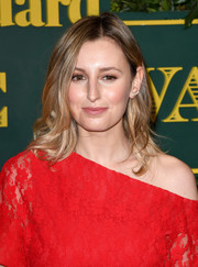 Laura Carmichael wore her hair down to her shoulders in a flippy, wavy style at the London Evening Standard Theatre Awards.