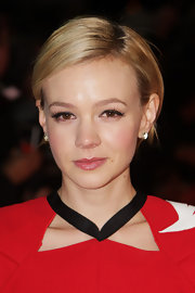 Carey Mulligan attended the 2012 London Film Critics' Circle Awards wearing her short cut super-sleek and with a side part.