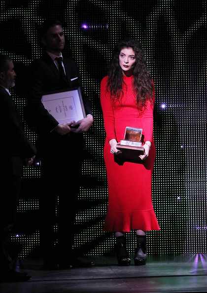 Lorde Midi Dress [song,award ceremony,pink,lighting,performance,magenta,design,event,talent show,stage,performing arts,ella yelich-oconnor,joel little,apra silver scroll awards,apra silver scroll award,auckland,new zealand,vector arena,royals]