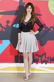 Blanca Suarez chose a flirty pleated mini skirt for her look at premiere look.