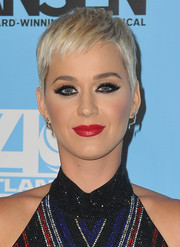 Katy Perry sported a cute pixie cut at the LA opening of 'Dear Evan Hansen.'