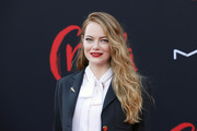 Emma Stone looked gorgeous with her loose waves at the LA premiere of 'Cruella.'