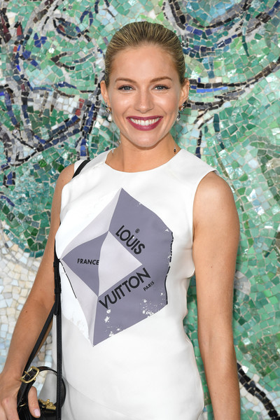 More Pics of Sienna Miller Printed Shoulder Bag (1 of 2) - Printed Shoulder Bag Lookbook - StyleBistro [cruise collection,fashion,beauty,haute couture,dress,photography,street fashion,model,plant,fashion design,smile,sienna miller,fondation maeght,saint-paul-de-vence,france,louis vuitton]