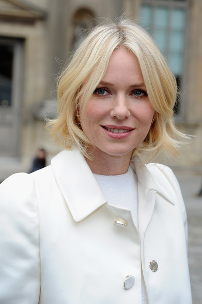 More Pics of Naomi Watts Short Wavy Cut (2 of 11) - Short Hairstyles Lookbook - StyleBistro