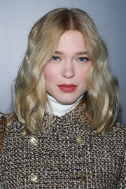 Lea Seydoux framed her face with a teased wavy 'do for the Louis Vuitton Fall 2020 show.