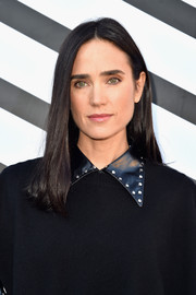 Jennifer Connelly went for a simple straight 'do when she attended the Louis Vuitton fashion show.