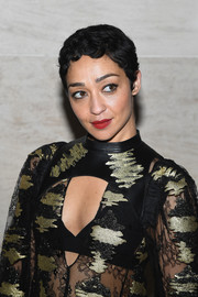 Ruth Negga went vintage with this finger wave at the Louis Vuitton Spring 2018 show.