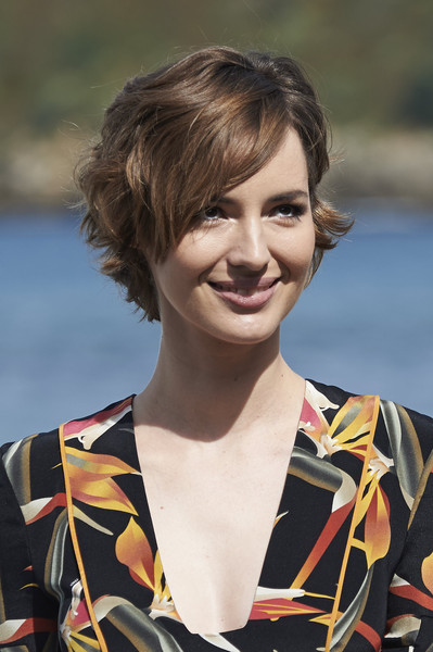 Louise Bourgoin Short Wavy Cut