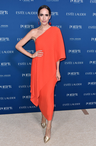 Louise Roe Evening Pumps [clothing,dress,shoulder,cobalt blue,blue,cocktail dress,electric blue,fashion model,fashion,joint,incredible women gala 2018 - arrivals,porter,louise rowe,ebell,los angeles,california,incredible women gala]