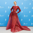 Look of the Day, February 9th: Elizabeth Banks' Beaded Gown
