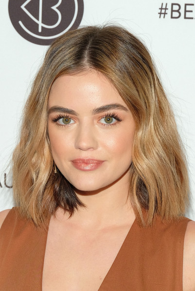 Lucy Hale Medium Wavy Cut
