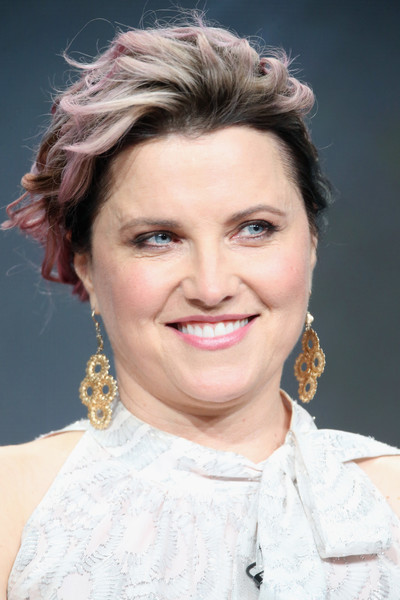 Lucy Lawless Short Wavy Cut [hair,face,hairstyle,eyebrow,chin,skin,forehead,lip,beauty,cheek,lucy lawless,portion,ash vs. evil dead,the beverly hilton hotel,california,beverly hills,starz,summer tca,panel discussion,television critics association summer tour]