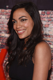 Rosario Dawson finished off her look with an exotic winged eye.