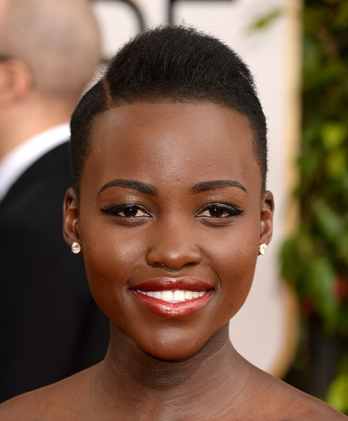 Lupita Nyong'o Side Parted Straight Cut