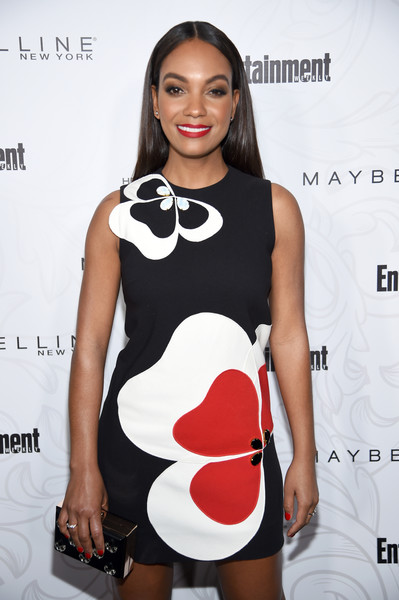 Lyndie Greenwood Box Clutch [clothing,dress,fashion model,cocktail dress,fashion,beauty,lip,leg,footwear,neck,nominees,lyndie greenwood,arrivals,entertainment weekly celebrates the sag award,entertainment weekly celebration of screen actors guild award,new york,chateau marmont,los angeles,maybelline,chateau marmontssponsored]
