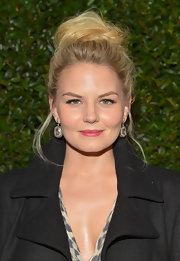 Jennifer Morrison chose a classic twisted bun to top off her beauty look at the 'Vogue' and MAC Cosmetics Dinner Party.