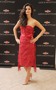 Shermine Shahrivar looked hot wearing a red tube dress with a layered lace bodice at the Martini event.