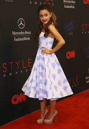 Ariana Grande was 50s-chic at the Style Awards in nude platform pumps and a fit-and-flare dress.