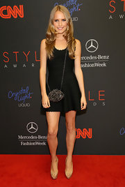 Sailor Brinkley Cook topped off her ensemble in edgy style with a spiked shoulder bag when she attended the Style Awards.
