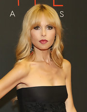 Rachel Zoe topped off her Style Awards red carpet look with a lovely long wavy 'do with center-parted bangs.