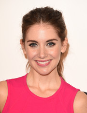 Alison Brie rocked a messy-chic ponytail at the MOCA Distinguished Women in the Arts luncheon.