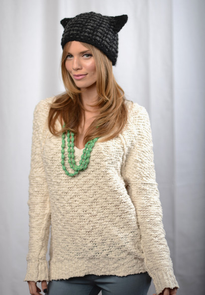 More Pics of AnnaLynne McCord Long Wavy Cut (7 of 9) - Long Wavy Cut Lookbook - StyleBistro