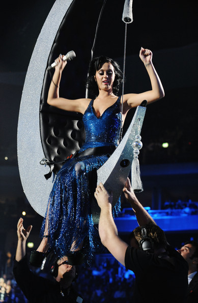 More Pics of Katy Perry Strapless Dress (4 of 46) - Katy Perry Lookbook - StyleBistro [katy perry,mtv europe music awards 2009 - show,performance,entertainment,performing arts,event,dancer,dance,performance art,public event,stage,dress,berlin,germany,o2 arena]