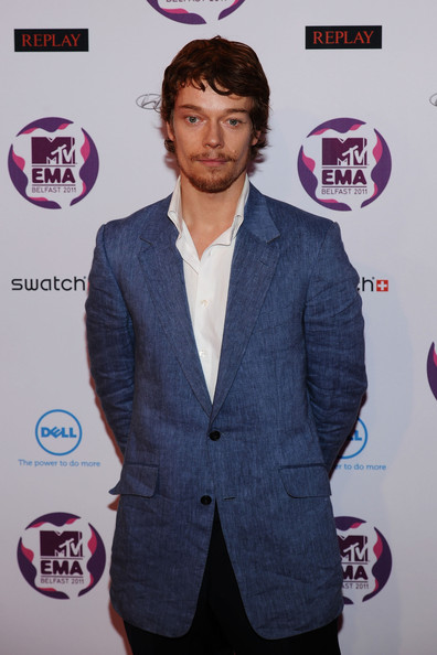 More Pics of Alfie Allen Long Wavy Cut with Bangs (2 of 3) - Alfie Allen Lookbook - StyleBistro
