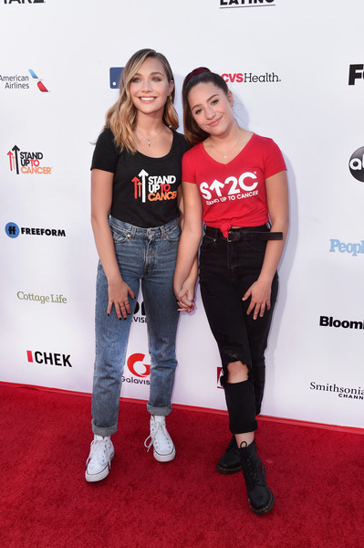 Maddie Ziegler High-Waisted Jeans [stand up to cancer marks 10 years of impact in cancer research,clothing,carpet,premiere,red carpet,event,flooring,t-shirt,jeans,arrivals,mackenzie ziegler,maddie ziegler,telecast,california,santa monica,barkar hangar,l,su2c]