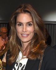 Cindy Crawford looked as fab as ever with her lush, bouncy waves at the Moschino fashion show.