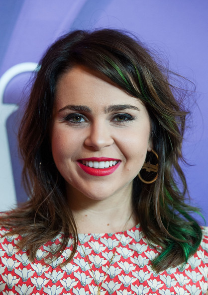 Mae Whitman Medium Wavy Cut with Bangs