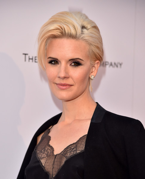 Maggie Grace Short Side Part [hair,face,blond,hairstyle,eyebrow,lip,chin,beauty,skin,forehead,arrivals,maggie grace,wind river,los angeles,california,the theatre,ace hotel,the weinstein company,premiere,premiere]