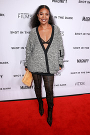 Gabrielle Union showed us how to look super sexy in a bulky sweater at the premiere of 'Shot in the Dark.'