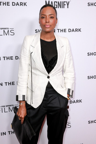 More Pics of Aisha Tyler Oversized Clutch (1 of 3) - Aisha Tyler Lookbook - StyleBistro [fox sports films,shot in the dark premiere documentary screening and panel discussion,white,suit,clothing,outerwear,formal wear,blazer,fashion,pantsuit,tuxedo,jacket,aisha tyler,premiere documentary screening,pacific design center,west hollywood,california,panel discussion]