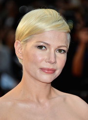 Michelle Williams styled her short hair with a deep side part for the BFI London Film Festival premiere of 'Manchester by the Sea.'
