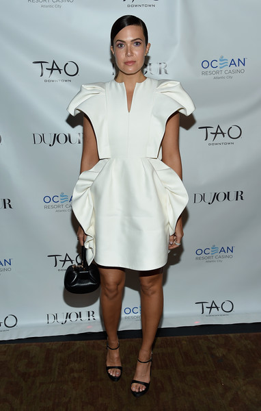 Mandy Moore Leather Purse [mandy moore celebrates dujour magazine cover,mandy moore,white,fashion model,catwalk,flooring,joint,shoulder,fashion,cocktail dress,dress,leg,tao downtown,new york city,party,the dujour magazine cover]