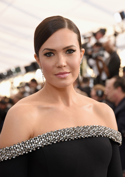 Mandy Moore Ponytail [red carpet,hair,face,shoulder,hairstyle,eyebrow,skin,beauty,lip,fashion model,fashion,mandy moore,screen actors guild awards,screen actors\u00e2 guild awards,california,los angeles,the shrine auditorium]