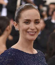 Emily Blunt kept it simple with this slicked-back updo at the Met Gala.