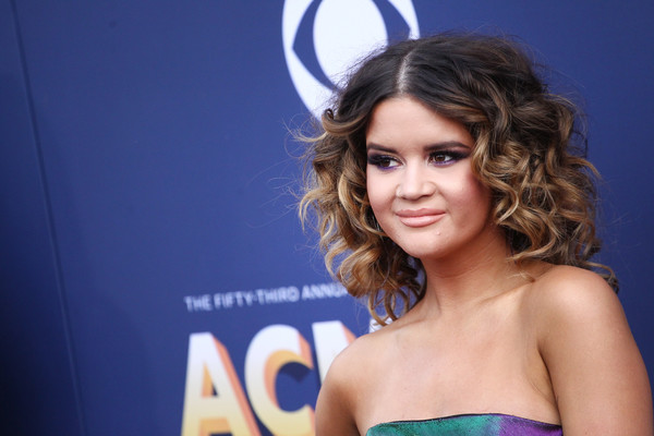 Maren Morris Medium Curls