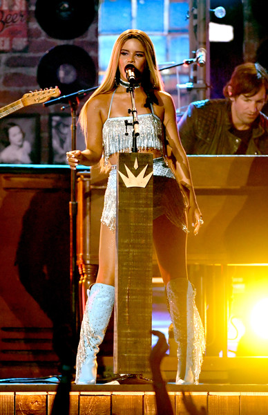 Maren Morris Crop Top [performance,entertainment,performing arts,stage,singing,public event,event,fashion,music artist,performance art,nevada,las vegas,mgm grand garden arena,academy of country music awards,show,maren morris]