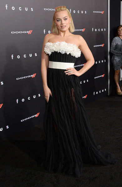 Margot Robbie Strapless Dress