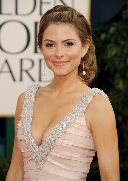 Maria Menounos Dangling Pearl Earrings