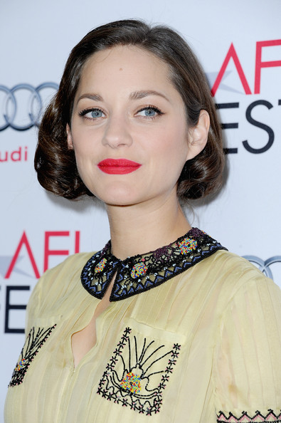 Marion Cotillard Red Lipstick [two days one night,hair,lip,face,eyebrow,hairstyle,beauty,chin,skin,fashion,cheek,arrivals,marion cotillard,screening,egyptian theatre,california,hollywood,audi,afi fest,audi special screening]