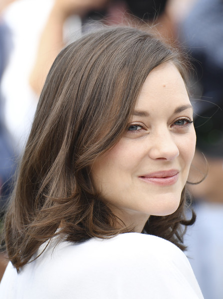 Marion Cotillard Mid-Length Bob [film,photo,edition,hair,face,hairstyle,eyebrow,long hair,beauty,chin,brown hair,layered hair,lip,marion cotillard,photocall,french,cannes,ismaels ghosts,cannes film festival,photocall]