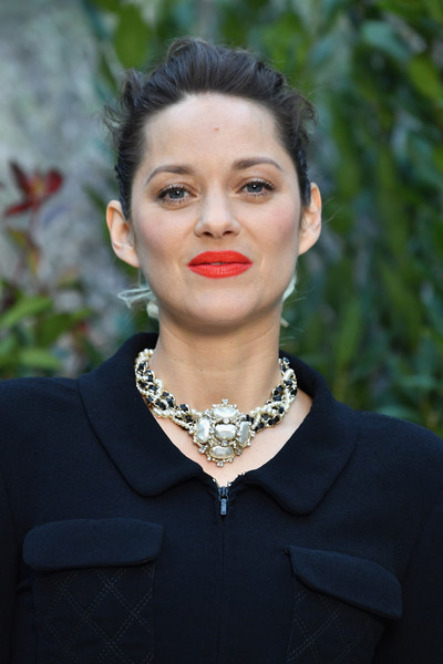Marion Cotillard Messy Updo [haute couture spring summer,chanel haute couture spring summer 2019,hair,lip,fashion,beauty,lady,chin,hairstyle,necklace,fashion accessory,jewellery,marion cotillard,front row,part,paris,france,chanel,paris fashion week,show]