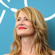 Hairstyles For Women With Fine Hair: Laura Dern's Mid-Length Waves