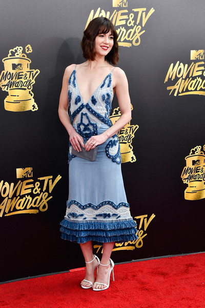 Mary Elizabeth Winstead Strappy Sandals [movie,clothing,carpet,red carpet,premiere,fashion,dress,fashion model,flooring,footwear,shoe,arrivals,mary elizabeth winstead,tv awards,california,los angeles,the shrine auditorium,mtv]